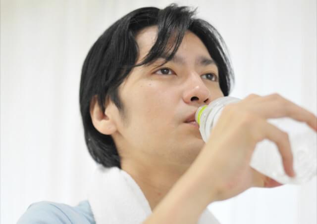 飲み過ぎたと感じたら水を飲む